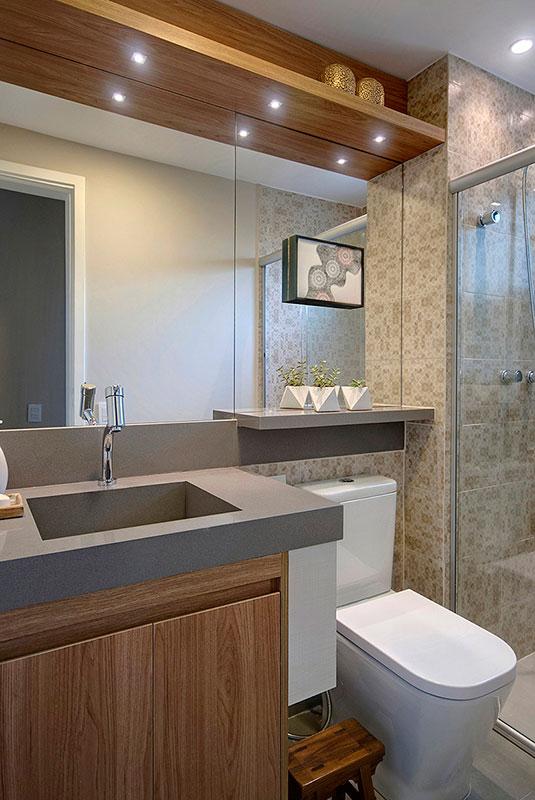 banheiro-de-apartamento-cinza-e-madeira