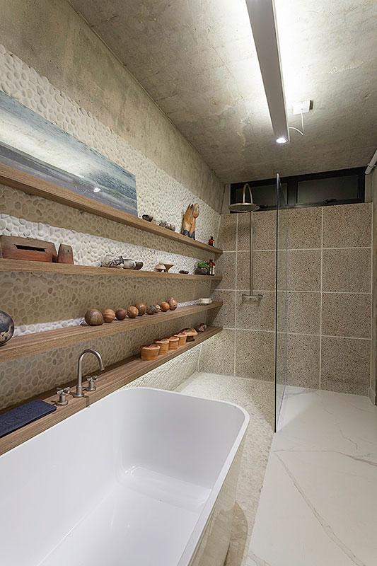 banheiro-pequeno-com-banheira