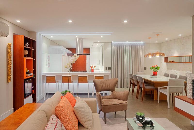 sala e cozinha integradas em apartamento