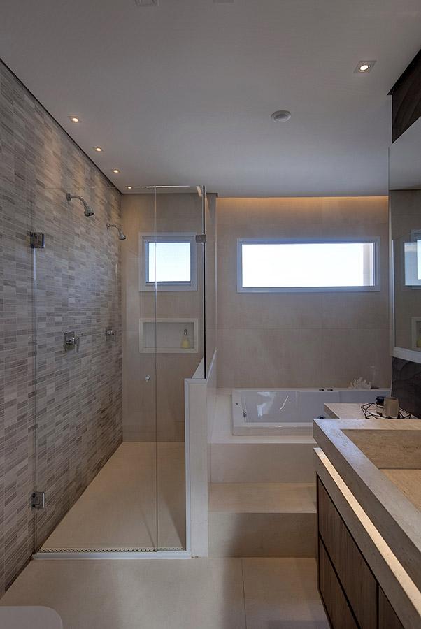 banheiro-residencial-com-banheira