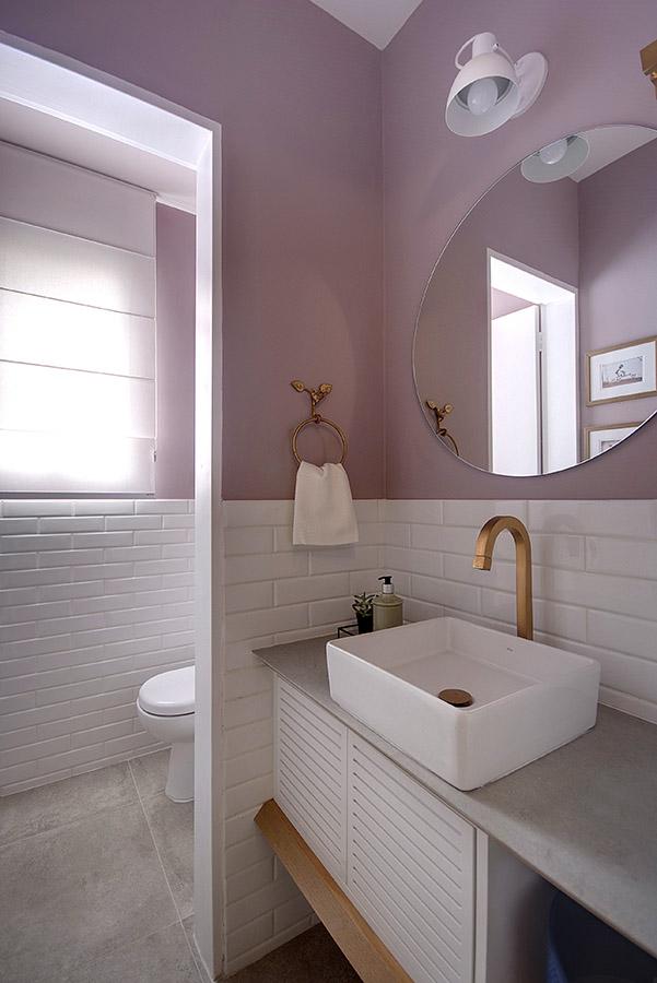 lavabo-decorado-dourado-e-rosé