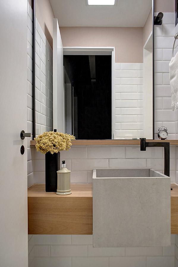 lavabo-pequeno-com-cuba-construída-em-concreto