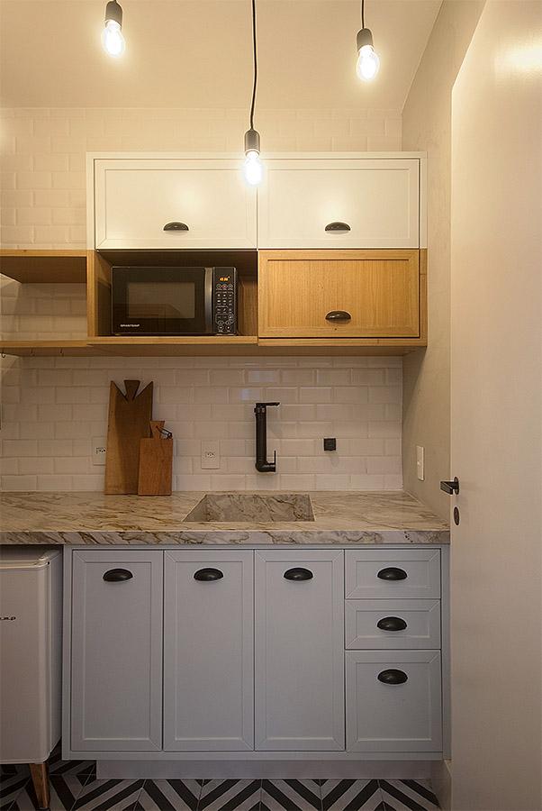 luminaria-gabiarra-instalada-em-cozinha